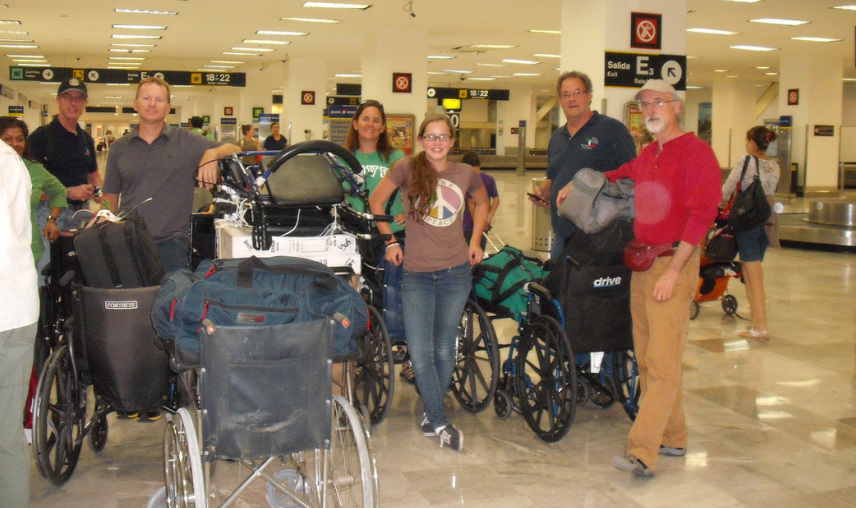 Travelling with wheelchairs to donate in Mexico